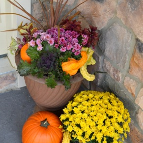 fall-porch-decor-right-side
